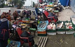 50 кило овощей и 20 литров молока в Кривом Роге изъяли у стихийных торговцев
