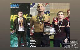 Два золота и серебро криворожские спортсмены привезли с соревнований по козацким поединкам и UFmma