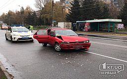 ДТП в Кривом Роге: Toyota «догнала» Geely