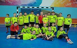 Криворожские школьники одержали победу на чемпионате по гандболу