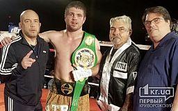 Криворожанин Евгений Хитров стал чемпионом по боксу в США
