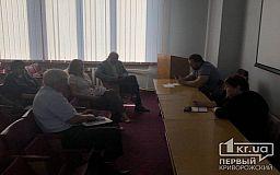 Инициатор петиции не пришел на заседание профильной комиссии по транспорту в Кривом Роге
