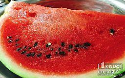 Как проверить наличие нитратов в арбузе и какую опасность несет эта ягода