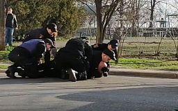 Замначальника охраны криворожского КП оказывал сопротивление полицейским и отказался проходить освидетельствование