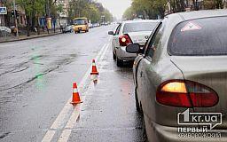 ДТП в Кривом Роге: на перекрестке Daewoo Sens врезался в Geely