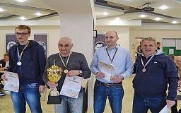 Шахматисты Кривбасса победили на областном турнире