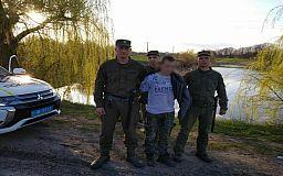 Пьяного мужчину, пытавшегося утопить авто в озере, задержали криворожские нацгвардейцы