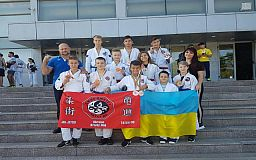 Юные криворожские спортсмены завоевали медали на чемпионате Мира по джиу-джитсу в Румынии