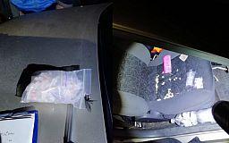Полицейские задержали одурманенного криворожанина, который ехал на авто