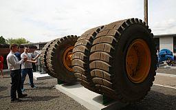 При поддержке Метинвеста в Ингульце обновили музей горного оборудования под открытым небом