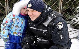 Юные криворожане отмечали Рождество вместе с патрульными полицейскими