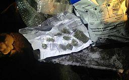 Криворожанин пытался передать заключенным в колонию наркотики, телефоны и дрожжи