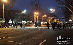 Криворожане перекрыли дорогу в знак протеста против повышения стоимости проезда в маршрутках