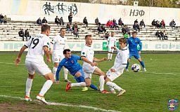 Футбола не было, а борьба была: криворожский «Горняк» сыграл вничью с никопольской командой