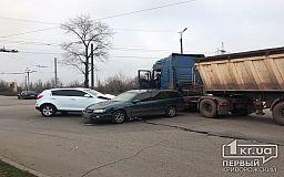 В результате тройного ДТП в Кривом Роге пострадал водитель кроссовера