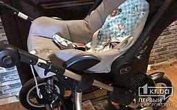 Пока криворожанка молилась, у нее украли детскую коляску, а полицейские бездействовали