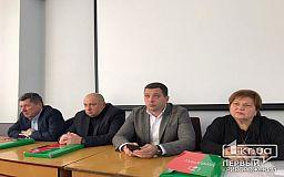 Криворожские депутаты собрались на заседание по вопросам транспорта и ЖКХ