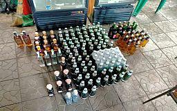 Изъято более 550 литров алкоголя: в Кривом Роге полицейские зафиксировали торговлю контрафактом
