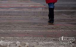 Ни пройти, ни проехать, — жители поселка Бажаново просят отремонтировать дорогу