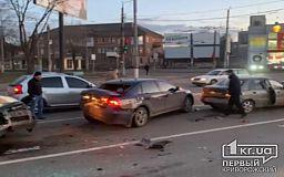 5 авто попали в ДТП: на пьяного водителя составили протокол