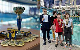 Двое криворожан заняли призовые места на Зимнем чемпионате Украины по плаванию