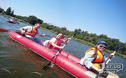 Курс на інклюзивний туризм: у Кривому Розі люди з інвалідністю здійснили сплав на байдарках