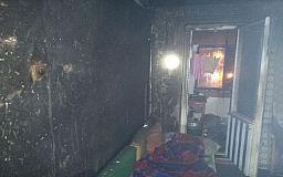 В Кривом Роге во время пожара погибла пенсионерка, спасти удалось второго жителя квартиры
