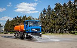 Криворожские предприятия Метинвеста борются с пылью на технических и городских дорогах