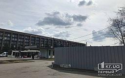 Ежемесячно на строительство стелы возле флагштока на проспекте Металлургов тратят по 449 тысяч гривен