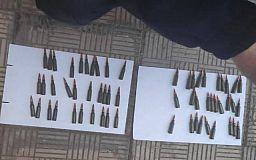 Копы задержали на остановке криворожанина с патронами для автомата