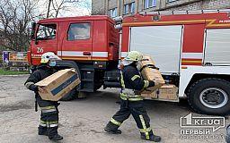 Рятувальники,  які допомагають медикам госпіталізувати хворих на COVID-19, отримали захисні костюми