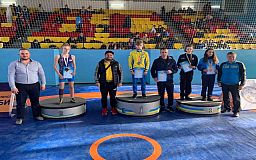 Криворожане привезли медали с чемпионата Украины по вольной борьбе