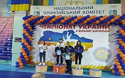 Криворожанки привезли золото с чемпионата Украины по вольной борьбе