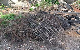 Во дворе у криворожанина изъяли тонну металлолома