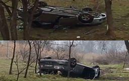 Авто перевернулось на крышу в результате ДТП, водитель скрылся