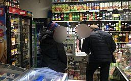 За продажу алкоголя несовершеннолетним оштрафовали продавцов