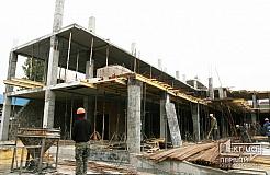 Процесс строительства нового торгового комплекса на Соцгороде.
