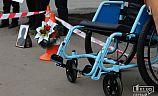 Рамка с лентой, венок, инвалидная коляска или отдых и полноценная жизнь - в Кривом Роге копы обратились к пешеходам