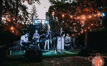 Літній джаз у дворі – Advantage Project