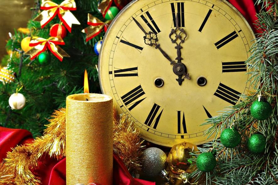 Как правильно встречать Новый год Петуха: приметы и обычаи