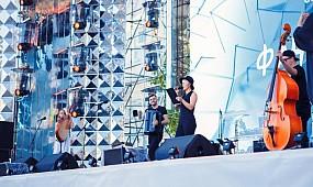 Фан-зона Євробачення 2017 на Софіївській площі. Живий виступ B&B project