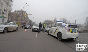 ДТП в Кривом Роге: водитель Lanos спровоцировал масштабную аварию   1kr.ua