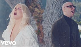 Christina Aguilera, A Great Big World - Fall On Me