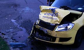 ДТП Кривой Рог: две легковушки столкнулись на Горняцком | 1kr.ua