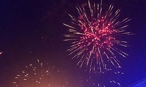 Салют под песню Queen / Fireworks to the song Queen / Кривой Рог День Металлургов