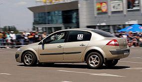 Техничный слалом на обычном Renault Megane (Кривой Рог)