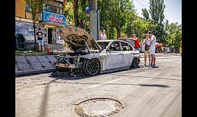 Происшествия Кривой Рог: на центральном проспекте сгорел BMW f30 | 1kr.ua
