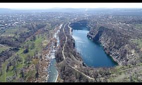 Карачуновское водохранилище с высоты птичьего полета. Карьер КДЗ. Мост. Водопад Белые Камни