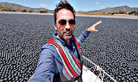 Зачем в водохранилище 96 000 000 шариков?