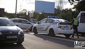 ДТП в Кривом Роге: Столкнулись электрокар и «копейка», пострадали три человека